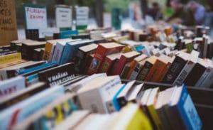 Spanish paperbacks on bookstall